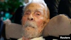 Dr. Alexander Imich, 111 tahun, di rumahnya di New York City, pada Mei 2014. (Reuters/Mike Segar)
