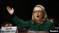 美國國務卿克林頓星期三在美國聯邦參議院外交關係委員會上就班加西襲擊事件提供證詞