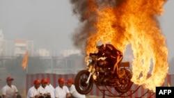 Thành ngữ Mỹ thông dụng: HOT-TEMPERED / ADD FUEL TO THE FIRE