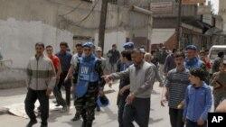 Các quan sát viên LHQ đến thăm cứ điểm Rastan của phe nổi dậy và thành phố Hama ở miền trung Syria