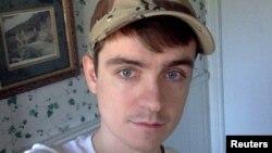 Alexandre Bissonnette, l'auteur présumé d'une fusillade dans une mosquée de Québec, s'est pris en photo sur Facebook.