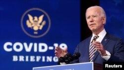 រូបឯកសារ៖ ប្រធានាធិបតីជាប់ឆ្នោតសហរដ្ឋអាមេរិក លោក Joe Biden ថ្លែងសុន្ទរកថាទៅលើចំណាត់ការរបស់សហរដ្ឋអាមេរិកចំពោះជំងឺកូវីដ១៩ នៅក្រុង Wilmington រដ្ឋ Delaware ថ្ងៃទី២៩ ខែធ្នូ ឆ្នាំ២០២០។