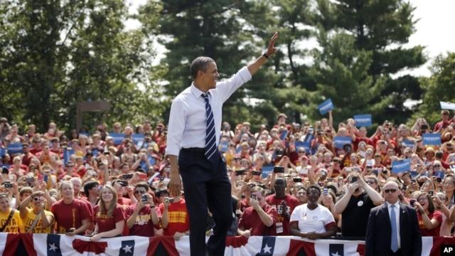 Rais Obama akiwa kwenye kampeni katika chuo kikuu cha Iowa