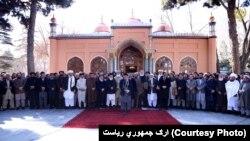 """رئیس جمهورغنی،پس از ادای نماز جمعه در مسجد ارگ، در سخنرانی گفت که افغانستان تقاضای """"عمل واضح و مشخص"""" را از جانب پاکستان دارد."""