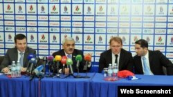 Robert Prosineçki Azərbaycanın futbol üzrə Azərbaycan milli komandasının yeni baş məşqçi təyin olunub.