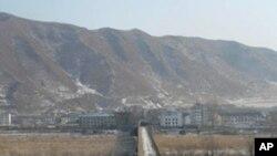 북한으로 연결되는 두만강 다리 (자료사진)