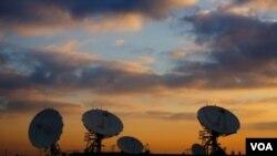 El gobierno cerró 34 emisoras en agosto de 2009.