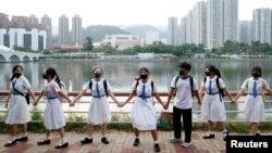 香港学生再次组成人链促港府回应五大诉求。(2019年9月19日)