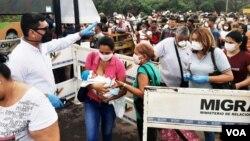 Acciones de prevención en la frontera colombo-venezolana contra el coronavirus. Foto: Heider Logatto/VOA.