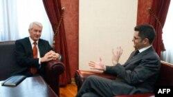 Srpski ministar spoljnih poslova Vuk Jeremić se danas u Beogradu sastao sa generalnim sekretarom Saveta Evrope Torbjornom Jaglandom