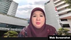 Jubir Vaksinasi COVID-19 Kemenkes Siti Nadia Tarmidzi dalam telekonferensi pers di Jakarta, Jumat (10/9) memastikan varian Mu belum terdeteksi di Indonesia. (VOA)