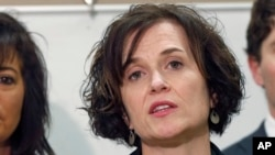 FILE - Minneapolis Mayor Betsy Hodges speaks at a news conference in Minneapolis, March 30, 2016. Some have called for her to step down in the wake of last week's mistaken shooting of an Australian woman by a police officer.