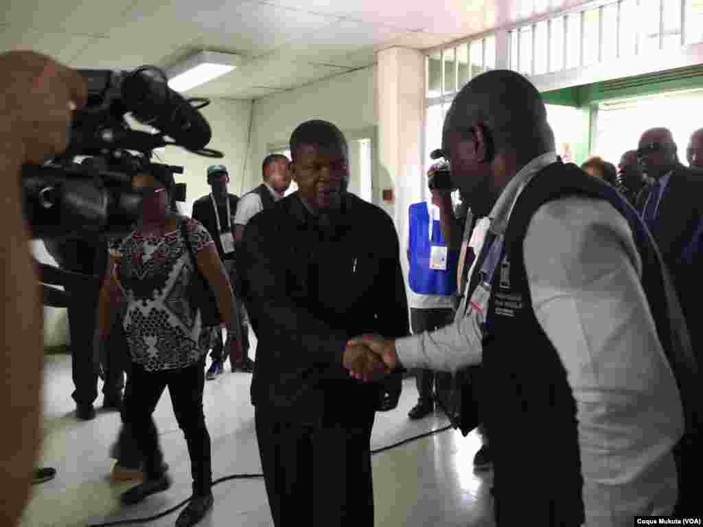 Le candidat au MPLA à la présidentielle, João Lourenço, arrive au bureau de vote à Luanda, 23 août 2017.