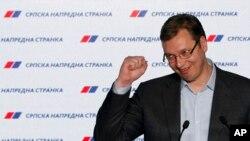 Predsednik SNS-a i premijer Srbije Aleksandar Vučić, April 24, 2016. (AP Photo/Darko Vojinovic)