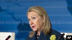 Ngoại trưởng Hillary Clinton nói chuyện với các Bộ trưởng G8 tại Washington, 11/4/2012