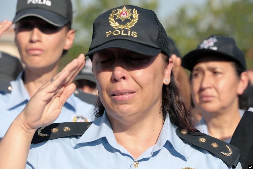 85 generals, admirals ordered jailed in Turkey coup attempt