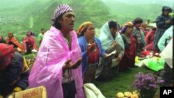 Indios mayas celebran el nuevo año en Kojba´l, en Guatemala. El calendario maya es de 260 días.