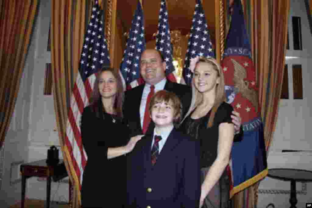 新科议员利德和家人