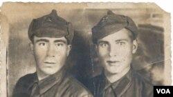 Müharibədə əsir düşməzdən öncə Yusif Qəhrəman sovet ordusunda leytenant idi.