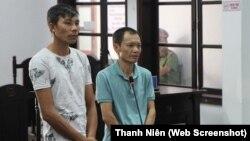Ông Nguyễn Văn Ý (trái) và ông Tạ Thành Duy tại tòa án ở Nha Trang.