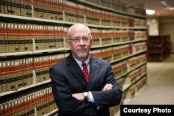 宾州匹兹堡大学法学院教授戴维•哈里斯