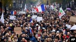 پیرس میں اسلامو فوبیا کے خلاف ریلی کا ایک منظر۔ 10 نومبر 2019