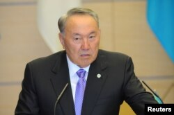 Kazakhstan President Nursultan Nazarbayev attends a news conference in Tokyo, Japan, Nov. 7, 2016.
