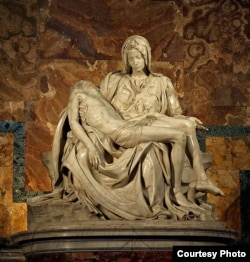 """意大利文艺复兴时期雕塑家米开朗琪罗雕塑""""哀悼基督"""" (维基共享资源)"""