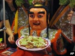"""文化""""三太子""""展示夜市小吃"""