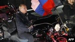 Владимир Путин на байк-фестивале. Новороссийск. 29 августа 2011 г.