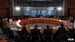Kabinet Jerman melakukan pertemuan membahas rencana penghapusan PLTN di negara itu (6/6).