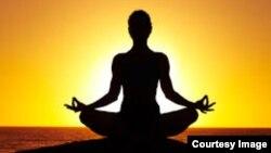 Mindfulnessatau kendali terhadap pikiran berdasarkan meditasi dan yoga, merupakan salah satu cara terbaik untuk mengedalikan rasa sakit (foto: ilustrasi).