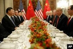 美國總統特朗普與中國國家主席習近平2018年12月1日在布宜諾斯艾利斯共進晚餐。