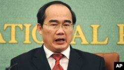 Ông Nguyễn Thiện Nhân chúc mừng tân đại sứ Trung Quốc nhận nhiệm vụ mới, ông nói rằng Việt Nam luôn 'coi trọng mối quan hệ láng giềng, hợp tác hữu nghị giữa nhân dân hai nước'.