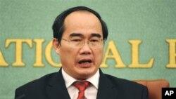 Phó thủ tướng Chính phủ Việt Nam Nguyễn Thiện Nhân, Chủ tịch Ủy ban Chỉ đạo hợp tác song phương Việt-Trung của Việt Nam.