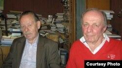 """Соредакторы петербургского журнала """"Звезда"""" Яков Гордин (слева) и Андрей Арьев (справа)."""