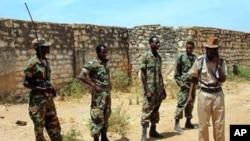 Etiópia e Eritreia estiveram em guerra aberta durante 2 anos nos finais dos anos 90 e até hoje esse conflito maném-se latente em torno de disputas territoriais
