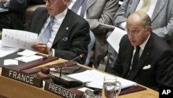지난 30일 유엔 안보리 회의에서 시리아 문제에 관해 발언하는 로랑 파비우스 프랑스 외무장관(오른쪽).