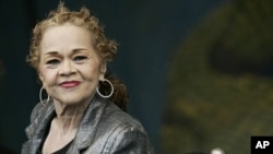 Etta James performs during the 2006 New Orleans Jazz and Heritage Festival in New Orleans, Saturday, April 29, 2006.
