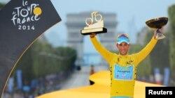 意大利選手尼巴利獲得今年環法自行車大賽冠軍。
