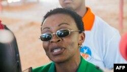 Madamu Victoire Ingabire avugana n'itangazamakuru akimara kurekurwa