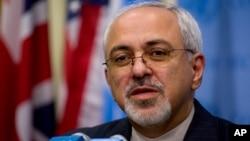 伊朗外长扎里夫对媒体讲话。(资料照)