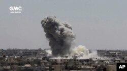 عکس آرشیوی از حمله هوایی نیروهای دولتی سوریه علیه مخالفان در غوطه شرقی، نزدیک دمشق