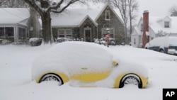 Một lượng lớn tuyết đã đổ xuống khu vực Greensboro, bang North Carolina, vào ngày 9/12/2018.