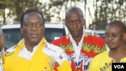 VaEmmerson Mnangagwa naVaTerrence Mukupe.