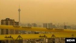 ساکنان تهران روز چهارشنبه ۱۲ دی ماه بوی بد و نامطبوعی را در نقاط مختلف پایتخت استشمام کردند.