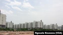 L'Etat congolais a construit des habitations à la place des casernes de Mpila, Brazzaville, 2 mars 2017, Ngouela Ngoussou.