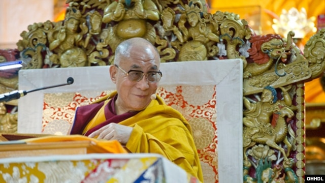Dalai Lama gives teachings to students from Southeast Asia