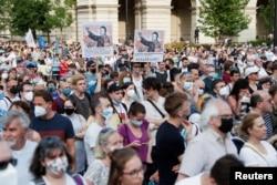 Demonstranti protestiraju protiv planiranog kampusa kineskog univerziteta Fudan u Budimpešti, Mađarska, 5. juna 2021.