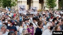 匈牙利布達佩斯市民抗議在其首都建中國復旦大學分校的計劃。(2021年6月5日)